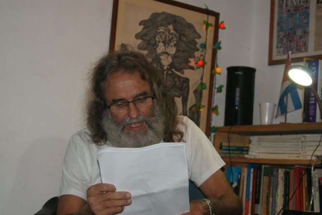 Agustin Valentin Lopez reading his poetry at Yoani and Reinaldo's house
