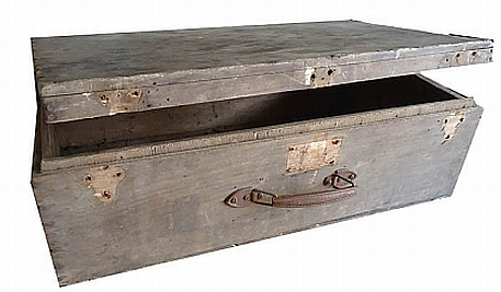 An old wooden suitcase of the kind still tucked away in many Cuban homes.