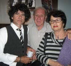Fernando Dámaso, center, with his wife Rebeca Monzo, and Gorki Aguila.