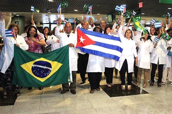 Cuban doctors arriving in Brazil. The joy of the escape.