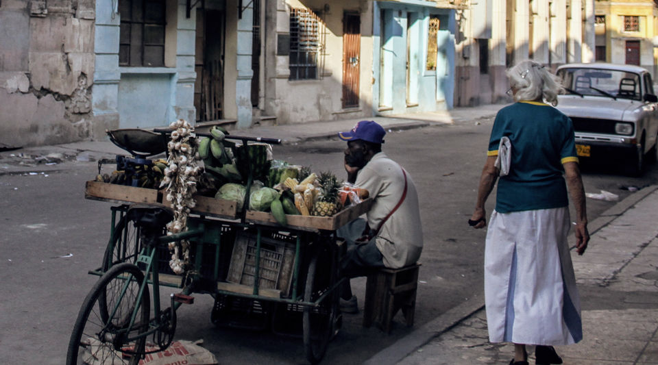 Cart vendor in Havana (14ymedio)