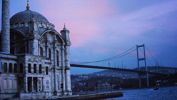Ortaköy Mosque in Istanbul. (14ymedio)