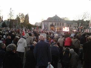 Multitudes at the tributes to Popieluszko