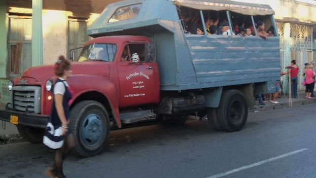 Collective Transportation. (14ymedio)