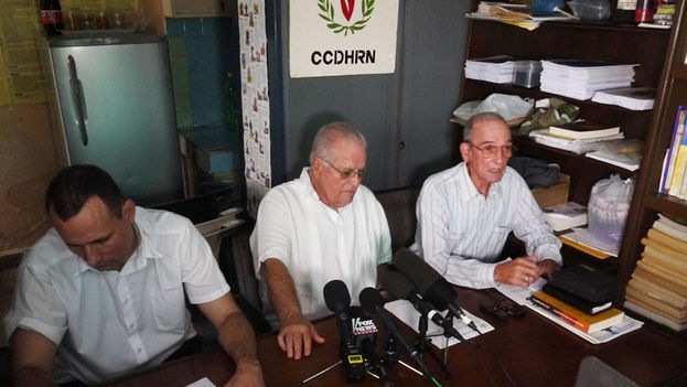 José Daniel Ferrer, Elizardo Sanchez and Hector Maseda at the news conference. (14ymedio)
