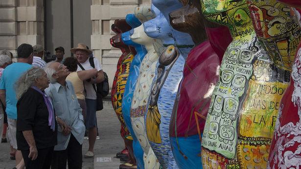The Buddy Bears in San Francisco Plaza.  (Luz Escobar)