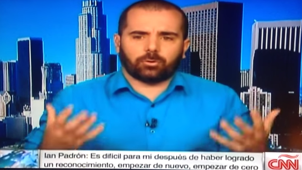 A frame of Ian Padrón being interviewed on CNN Mexico.