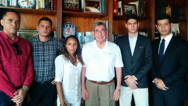 Meeting of young Cubans and Venezuelans with Oscar Arias