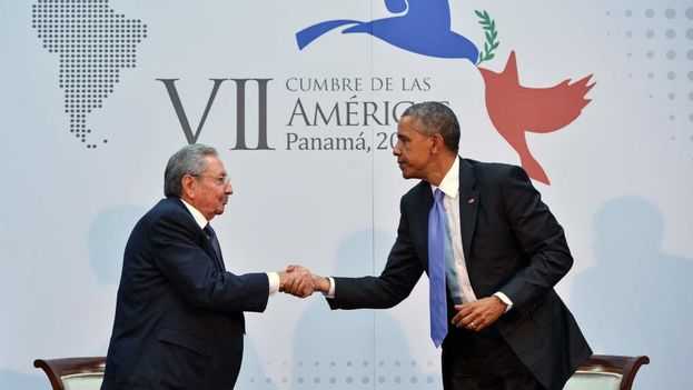 Raúl Castro with Barack Obama at a press conference during the Summit of the Americas.