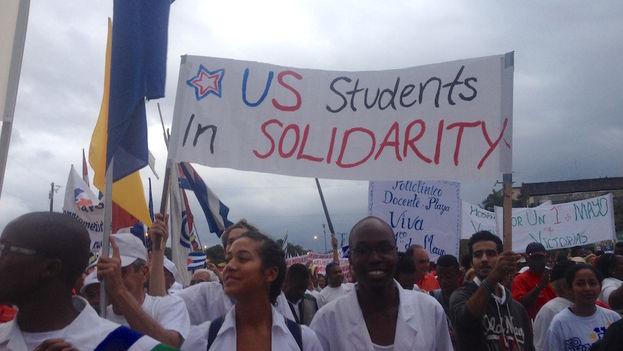 American students marching in Havana's May Day parade (Luz Escobar/14ymedio)