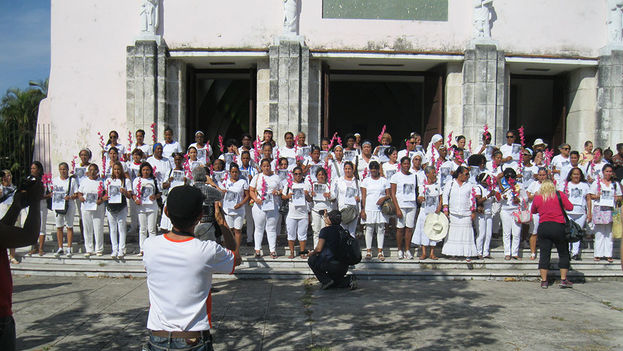 Ladies in White in front of Santa Rita church in Havana. (File Photo / Agustin Lopez Canino)