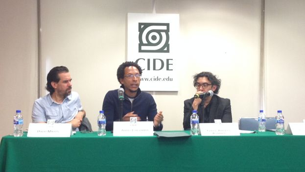 David Miklos, Ahmel Echevarría and Carlos Alberto Aguilera inthe meeting organized by CIDE in Mexico City. (14ymedio)
