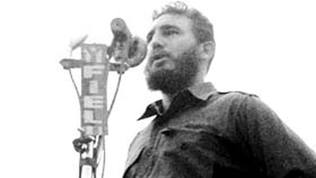 9 -- Fidel proclaimed the socialist character of the Revolution on April 16, 1961 (Humberto Michelena)