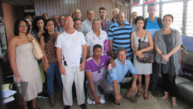 Participants in the meeting held on Thursday in Havana by a score of civil society and the political community. (14ymedio)