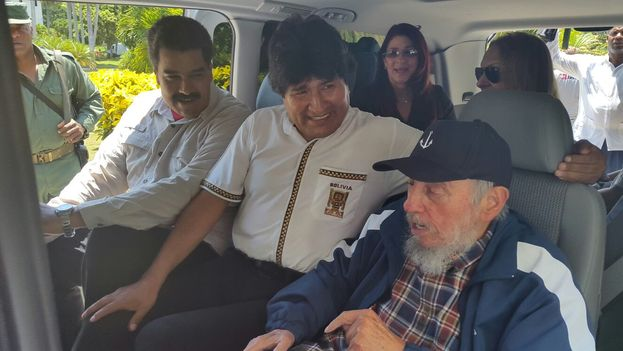 The president of Venezuela, Nicolas Maduro, the president of Bolivia, Evo Morales, and Fidel Castro. (EFE / Bolivian Information Agency)