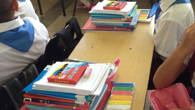 Delivered school supplies to children in primary education. (Luz Escobar)