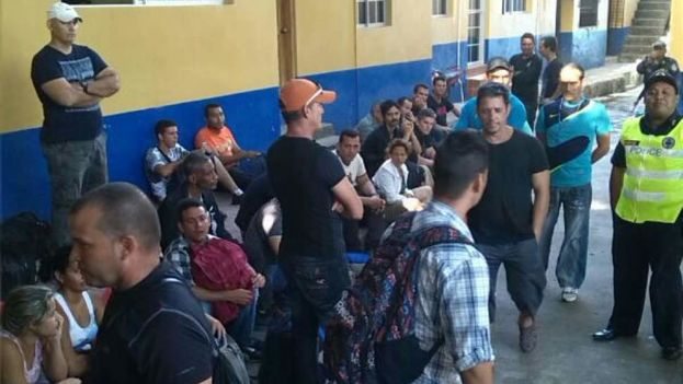 It is becoming more common to hold Cubans at the Migrant Center in Choluteca due to the increased migration flows. (La prensa)
