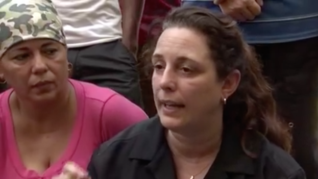 Tania Bruguera, in Costa Rica, with Cubans stranded at the border. (Youtube / screenshot)