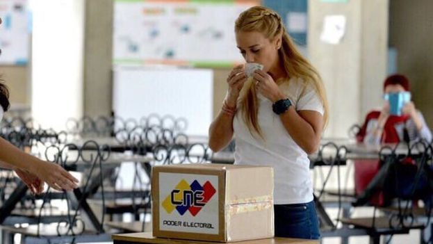 Venezuelan opposition activist Lilian Tintori, wife of the political prisoner Leopoldo Lopez, Sunday. (Twitter)