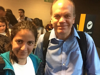 Rosa María Payá Acevedo and Chilean Senator Patricio Walker before boarding their flight to Caracas, December 4, 2015. (ROSA MARÍA PAYÁ)