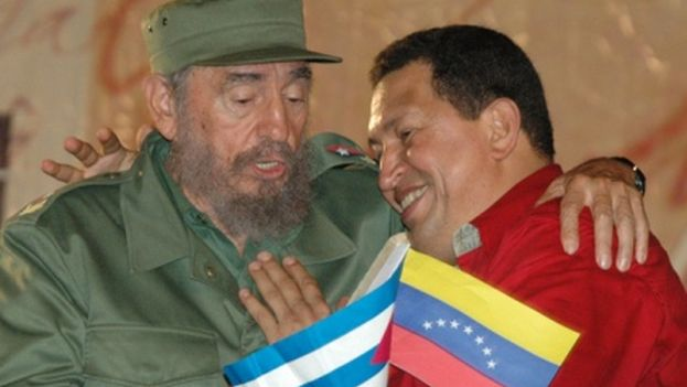 The Cuban president Fidel Castro and the late Venezuelan President Hugo Chavez, Cuba signed the Convention on Cooperation Venezuela in 2000. (Embassy of Cuba in Venezuela)