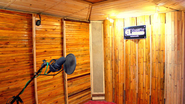 "JouMP's alternative recording studio, ""Espacio Latino Records."" (14y medio)"