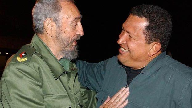 Fidel Castro and Hugo Chavez together in 2002 (EFE)