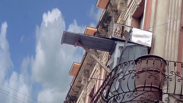 A landing strip for pigeons (14ymedio)