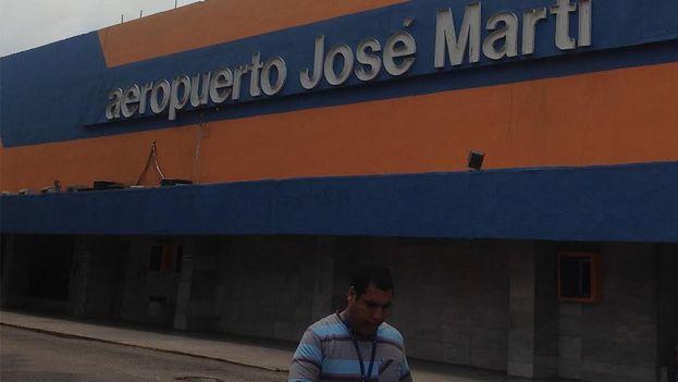 Terminal No. 1 at Jose Martí Airport, freshly painted. (Reinaldo Escobar)