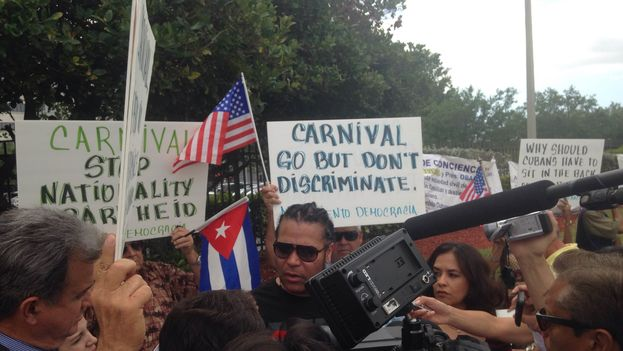Demonstration at the headquarters of Carnival Cruise Lines in Miami.