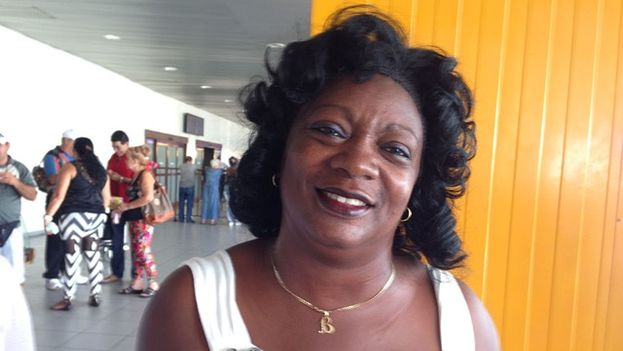Berta Soler at the Havana airport. (File / 14ymedio)