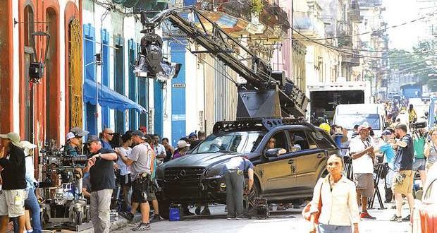 Filming during Fast & Furious 8 in Havana. From Mundo Motorizado.