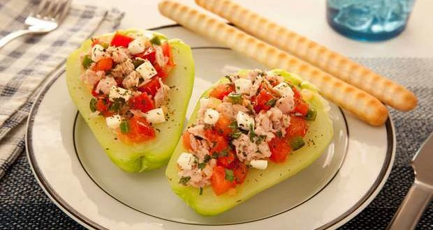 Chayote stuffed with tuna, tomato, onion and cheese. From Bimbo Nutrition Group.