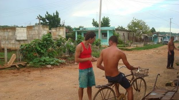 Residents in the town of San Antonio de Cabezas, in Matanzas. (Internet)
