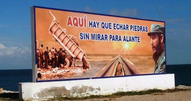 "The future of Cuba according to the regime: ""Here we have to throw stones without looking ahead."""