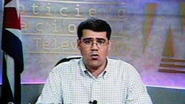 Carlos Valenciaga, chief of staff to Fidel Castro, as he read the proclamation on the night of 31 July 2006. (TV screenshot)