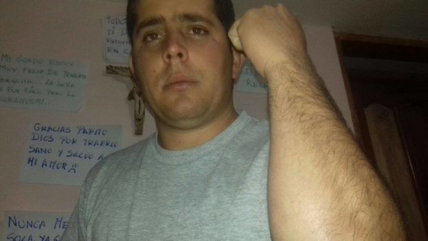 Efrain Sanchez Mateo refuses to abandon his countrymen, whom he calls brothers. (14ymedio)