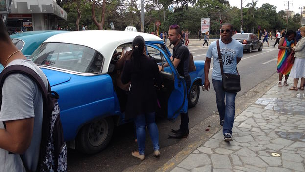 This summer, taxi drivers have become the government's new public enemy. (14ymedio)