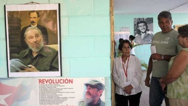 The only party allowed to exist under the Cuban Constitution is the Communist Party. (EFE)