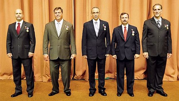 Raul Castro in February 2015 honored as heroes the five Cuban agents convicted in the US for espionage. (Revolution Studios)
