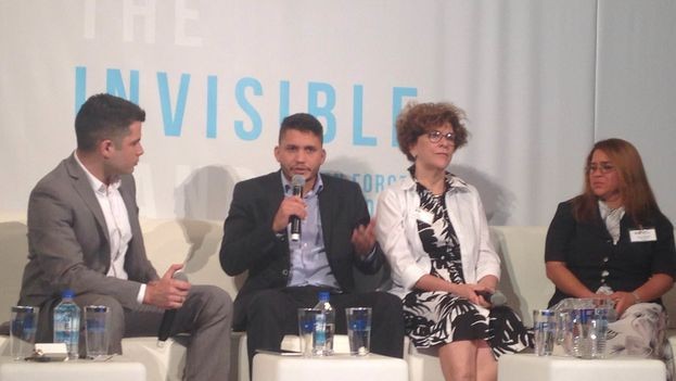 A panel at the Cuba Internet Freedom Forum, which began Monday in Miami (14ymedio)