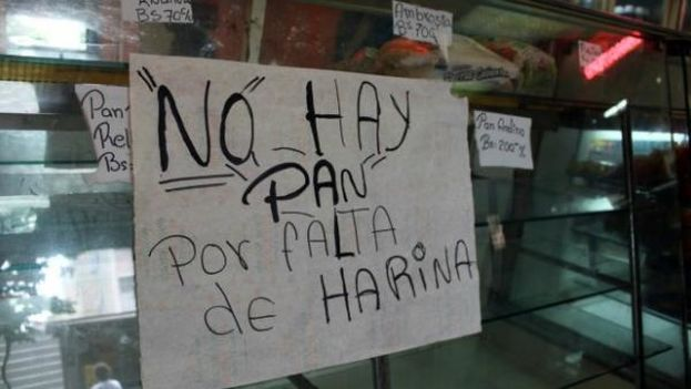 """""""There is no bread for lack of flour."""" Commodities that are scarce in Venezuela are sold illegally on the Petare black market. (Twitter)"""