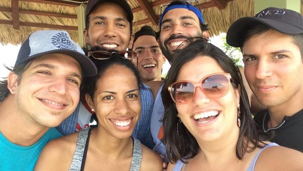 The team of Periodismo de Barrio before departing for Baracoa. Elaine Diaz is front right. (Facebook)