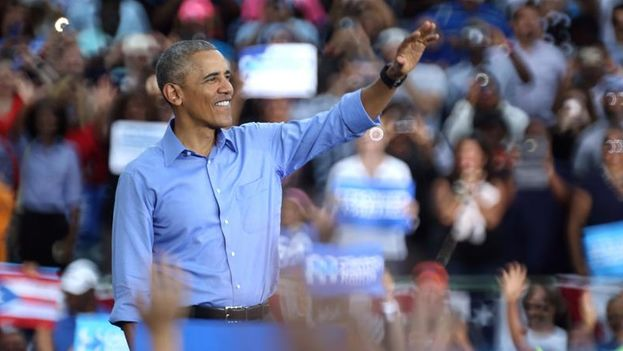 Barack Obama in one of the last rallies of support for Hillary Clinton. (EFE / EPA / CRISTOBAL HERRERA)