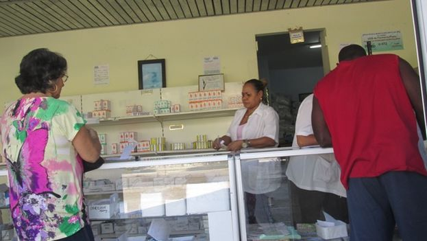 Shortages in state pharmacies fuels illegal trade in medicines in Cuba (14ymedio)