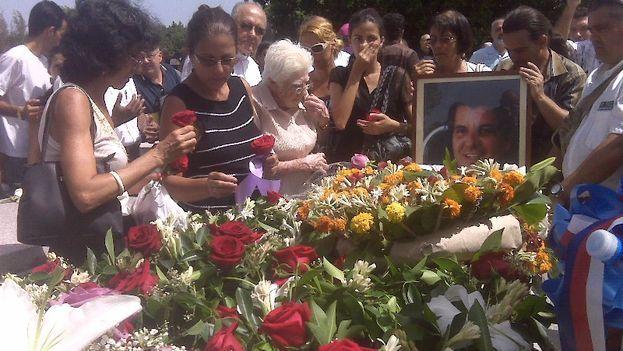 Oswaldo Payá's Funeral (Luz Escobar)