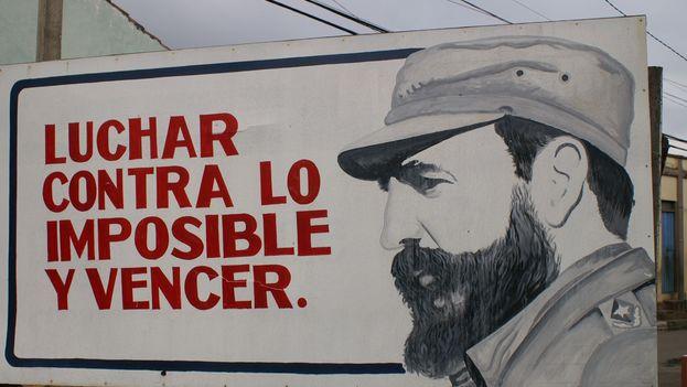 "Fidel Castro billboard: ""Fight against the impossible and win"""