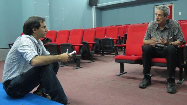 Filmmaker Fernando Pérez during the interview with Henry Constantin