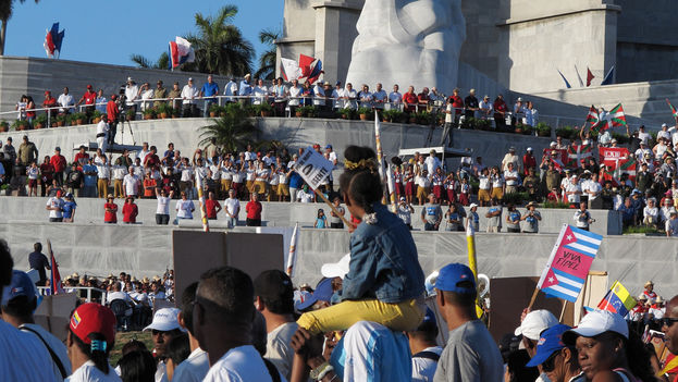 Celebration of May 1st in Cuba. (FLICKR/CC)