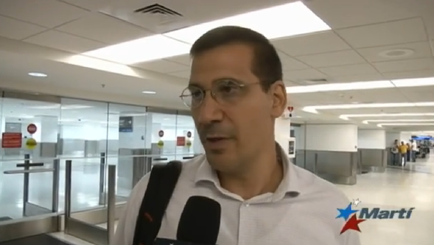 Antonio Rodiles, interviewed by Marti Noticias on his arrival in Miami. (MartiTV)
